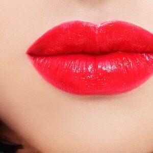 Trucos para tener unos labios voluminosos como los de Angelina Jolie